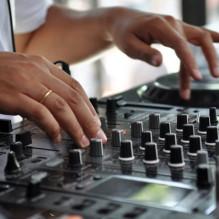 DJ's AOV verzekering